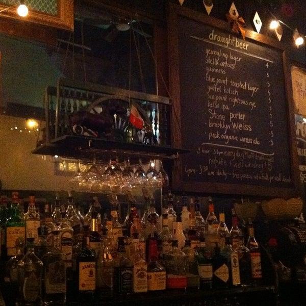 Photo prise au Lulu's par Olivia le2/18/2012