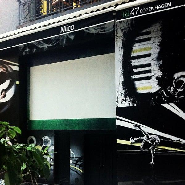 Foto diambil di Mica Restaurant & Bar oleh Merih G. pada 7/4/2012