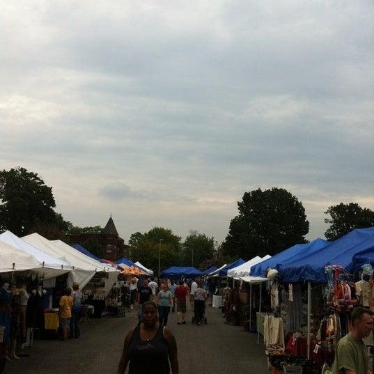 Photo prise au The Flea Market at Eastern Market par Oliver G. le9/2/2012