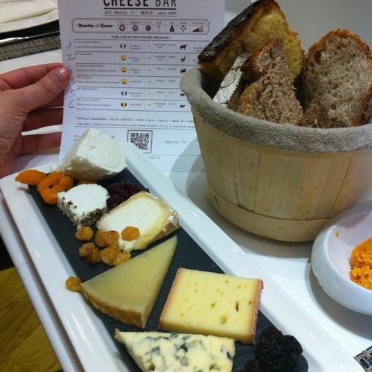 Buenísima la Tabla de Quesos ;-) ahora a por la tarta cheesecake con queso manchego!!