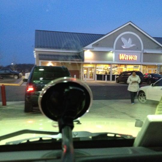 Foto scattata a Wawa da Jim F. il 3/18/2012