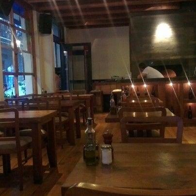 6/18/2012 tarihinde Can S.ziyaretçi tarafından Mica Restaurant & Bar'de çekilen fotoğraf