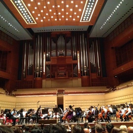 Foto tirada no(a) Morton H. Meyerson Symphony Center por Linda D. em 5/6/2012
