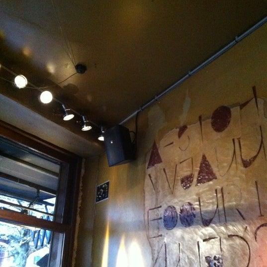 Foto scattata a Zebra Bar da Juan Jose C. il 4/5/2012