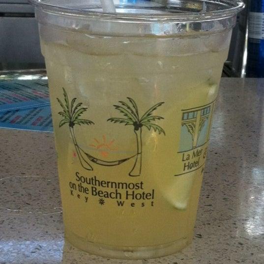 Foto tirada no(a) Southernmost Beach Cafe por Craig T. em 3/22/2012