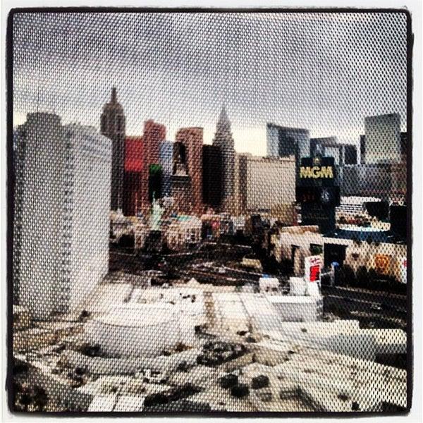 Снимок сделан в Tropicana Las Vegas пользователем Ryan M. 3/17/2012