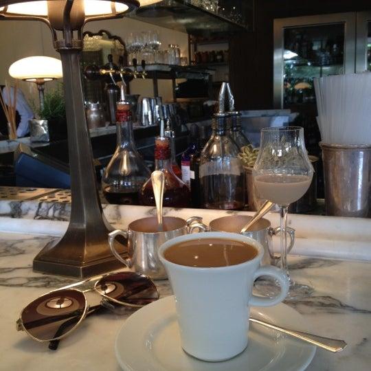 Foto tomada en Cecconi's por Irina R. el 5/18/2012