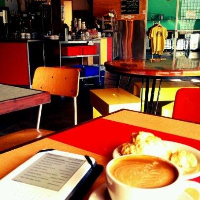 5/13/2012에 Bridget D.님이 Peace Coffee Shop에서 찍은 사진
