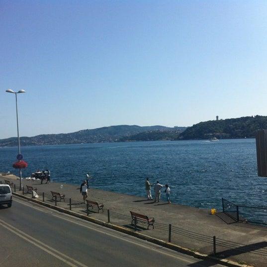 Foto tomada en Taş Kahve Cafe & Restaurant por kcmzemre el 8/21/2012