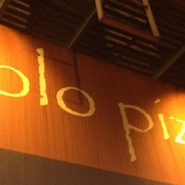 Photo prise au Solo Pizza NYC par Amanda B. le11/17/2011