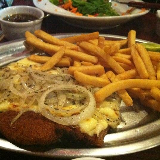 Foto tomada en Central de Pizzas por Miss Roxy M. el 1/26/2012