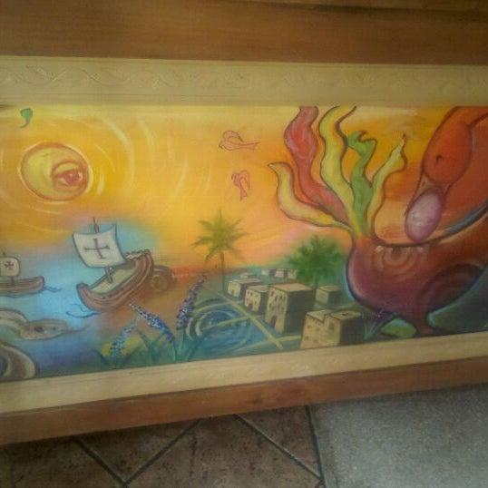 Foto scattata a Sankofa Books & Video da The P. il 9/19/2011