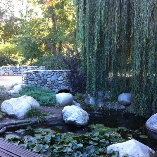 10/22/2011 tarihinde Elena V.ziyaretçi tarafından Descanso Gardens'de çekilen fotoğraf