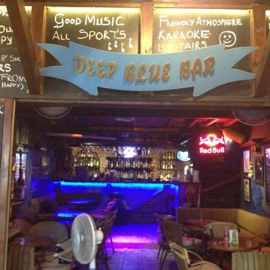 Foto tirada no(a) Deep Blue Bar por Mirac🚲 K. em 8/4/2012