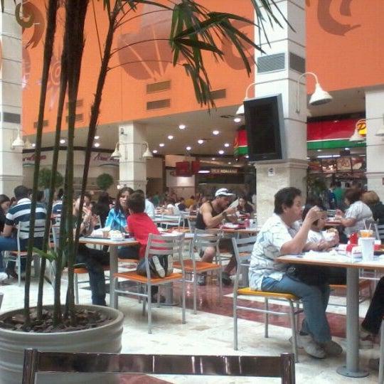 Das Foto wurde bei Grand Plaza Shopping von Lais P. am 10/2/2011 aufgenommen