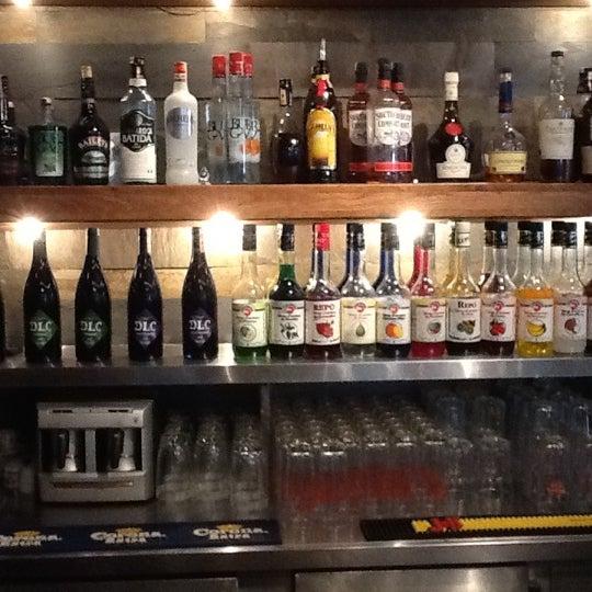 7/2/2012 tarihinde selcuk b.ziyaretçi tarafından Mica Restaurant & Bar'de çekilen fotoğraf