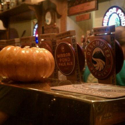 Снимок сделан в Deschutes Brewery Bend Public House пользователем Wesley F. 10/30/2011
