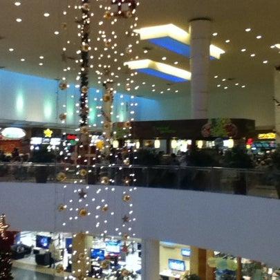 Foto tirada no(a) Shopping Palladium por Felipe R. em 12/31/2010