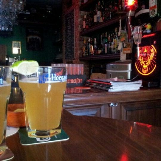 Elit, mütevazi ve bir o kadar da nezih bir yer arayanlar için tercih edilebilecek mükemmel bir Irish Pub örneğidir. Alkol çeşitliliğinin yanısıra turşu ikramı da keyfinize ayrı bir tat katmaktadır.