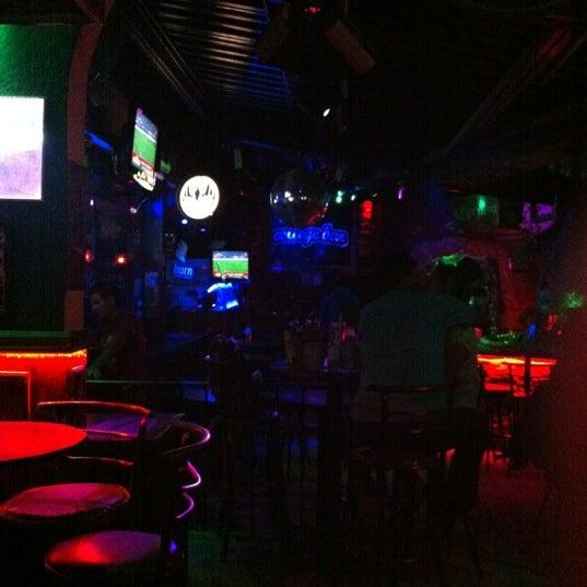 Foto diambil di College Bar oleh DIEGO A. pada 5/11/2012