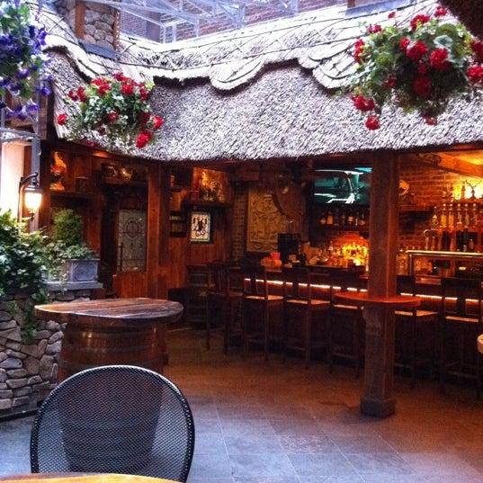 Foto tomada en Hurley's Saloon por Jeffrey H. el 6/12/2011
