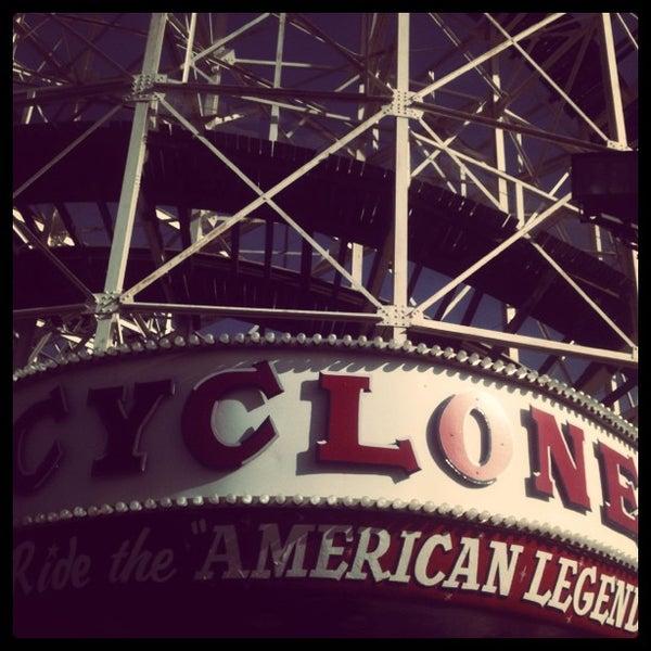 Foto tomada en The Cyclone por Derek B. el 4/13/2012