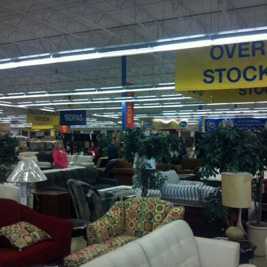 rooms to go outlet furniture store