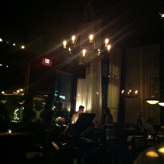 รูปภาพถ่ายที่ Terilli's โดย Mark T. เมื่อ 6/1/2012