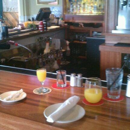 Photo prise au The Gin Mill par Alexis R. le10/9/2011