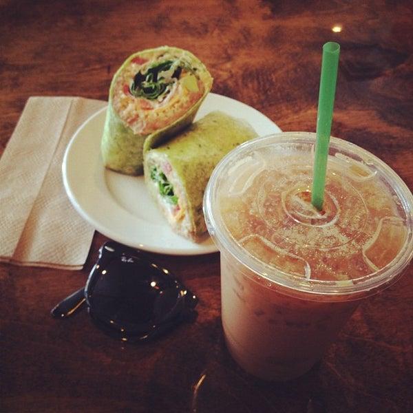 Снимок сделан в Sunrise Coffee пользователем David R. 5/30/2012