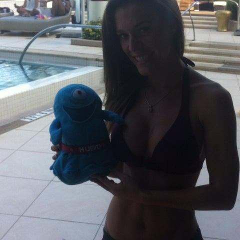 Das Foto wurde bei Fontainebleau Miami Beach von Oneeyed Huevo W. am 7/22/2012 aufgenommen
