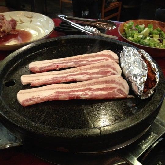 Foto scattata a Hae Jang Chon Korean BBQ Restaurant da Tim T. il 2/29/2012