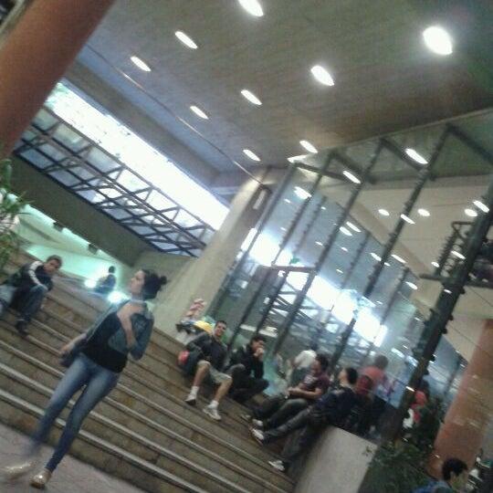 Снимок сделан в Universidad Autónoma de Asunción пользователем BeLu G. 3/28/2012