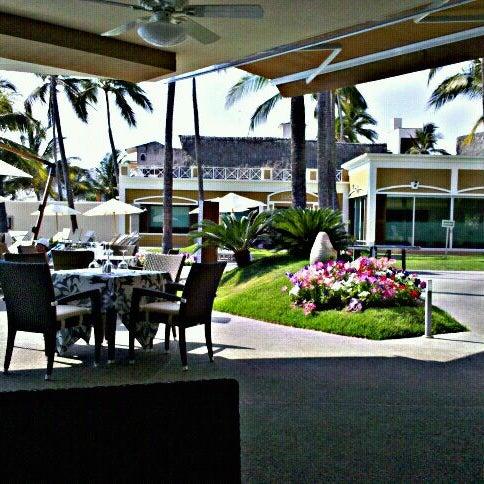 Foto tomada en Sunset Plaza Beach Resort & Spa por Ciro Vladimir A. el 5/19/2012