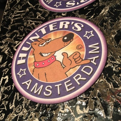 Foto tomada en Hunter's Coffeeshop por Greg el 7/25/2012