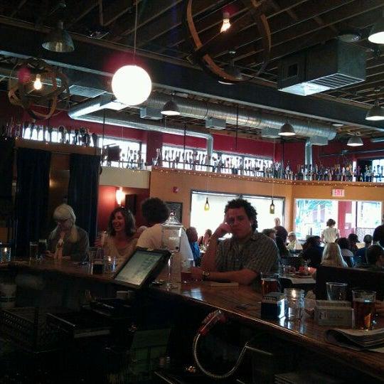 8/10/2011 tarihinde Ryan K.ziyaretçi tarafından EastBurn'de çekilen fotoğraf