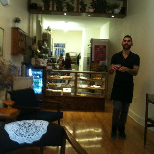 รูปภาพถ่ายที่ Zucker Bakery โดย Zucker B. เมื่อ 1/4/2012