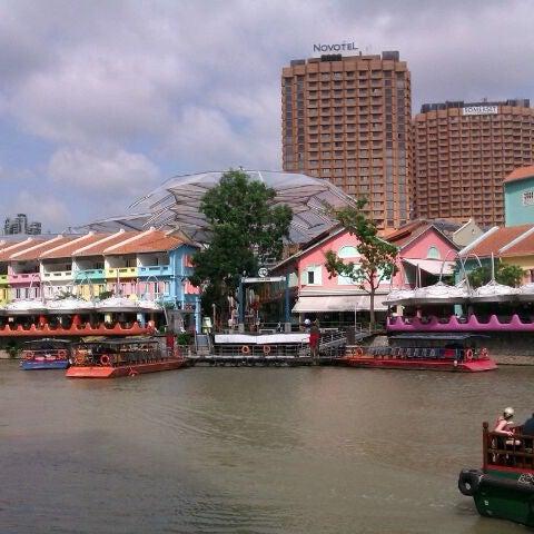 Foto diambil di Singapore River oleh melinda l. pada 1/13/2012