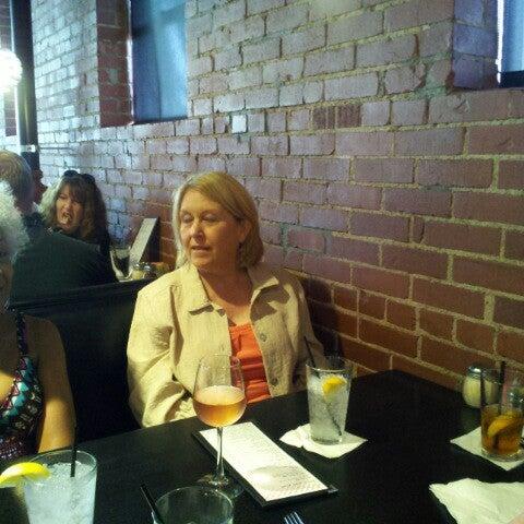 7/27/2012にKimberly E.がJoey's Pizzeriaで撮った写真