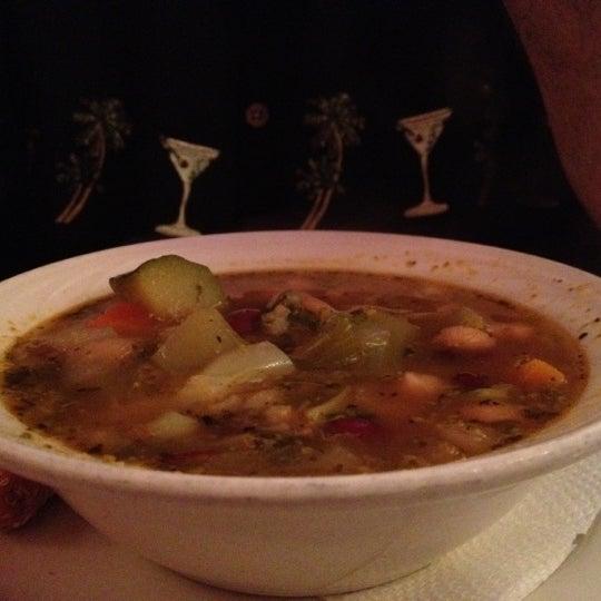 Das Foto wurde bei Mona Lisa Italian Restaurant von Judi W. am 8/26/2012 aufgenommen