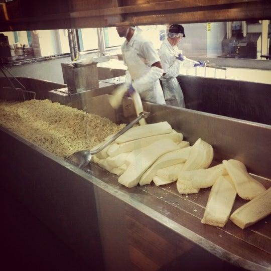 8/6/2012에 Nestor B.님이 Beecher's Handmade Cheese에서 찍은 사진
