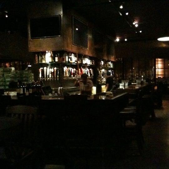Foto scattata a SmithHouse - BBQ, Burgers, Brews da Robin C. il 9/6/2011