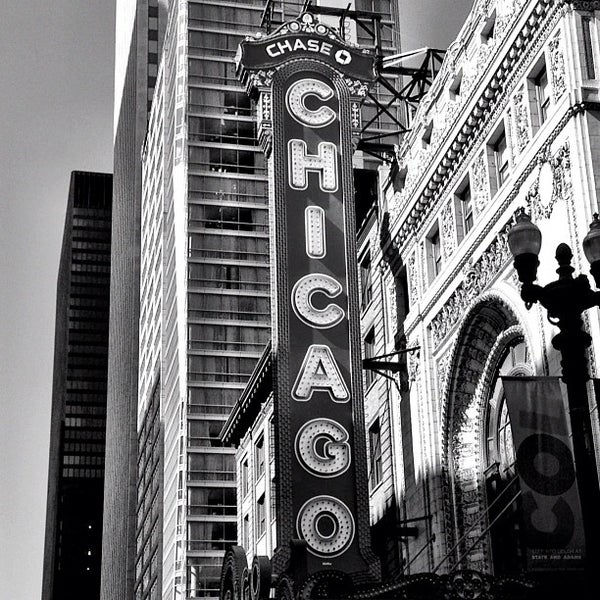Foto scattata a The Chicago Theatre da David S. il 7/12/2012