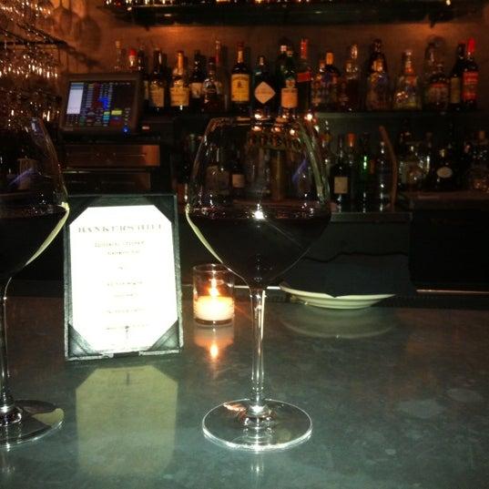 Foto tirada no(a) Bankers Hill Bar & Restaurant por Scott L. em 4/22/2012