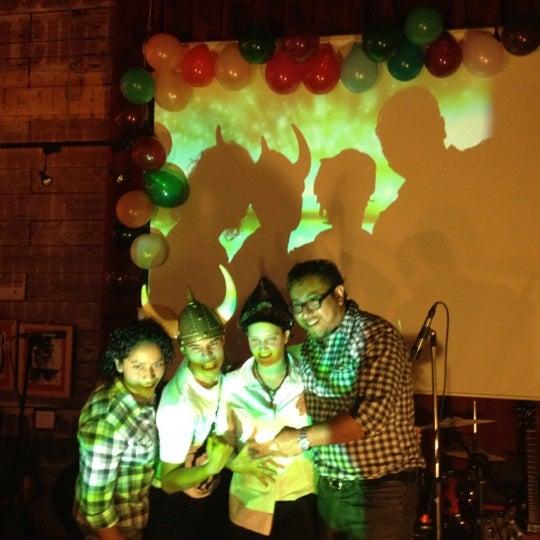 Das Foto wurde bei Viking - Arte Café Punto Zero von Chui S. am 6/23/2012 aufgenommen