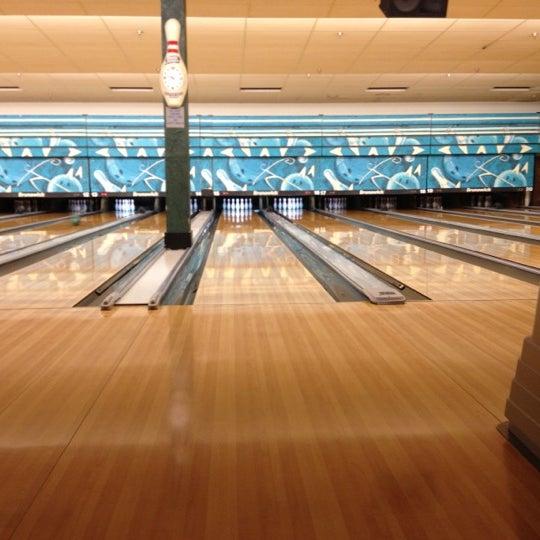 รูปภาพถ่ายที่ Park Tavern Bowling & Entertainment โดย David S. เมื่อ 5/11/2012