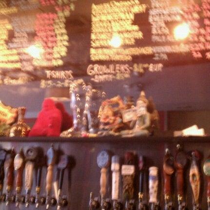 Photo prise au Buddha Beer Bar par Christina B. le7/14/2012