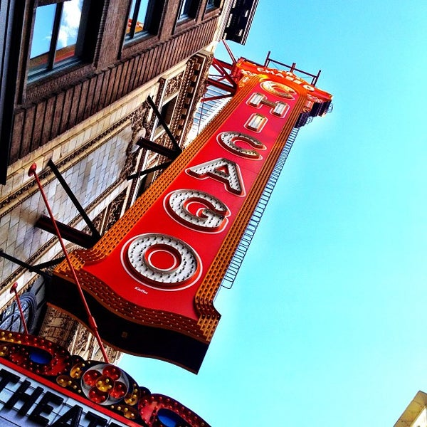 Foto scattata a The Chicago Theatre da @cfnoble il 5/29/2012