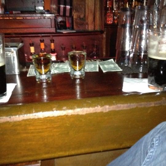 Das Foto wurde bei Nowhere Bar von Mister U. am 5/14/2012 aufgenommen