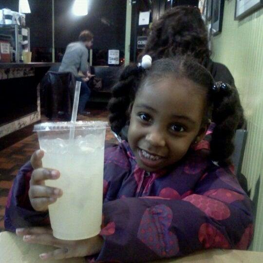 Foto diambil di On the Hill Cafe oleh Traci T. pada 2/24/2012